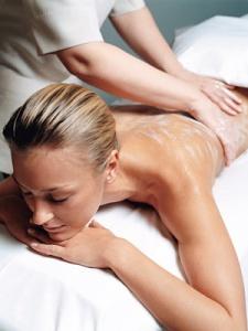 blonde_woman_massage